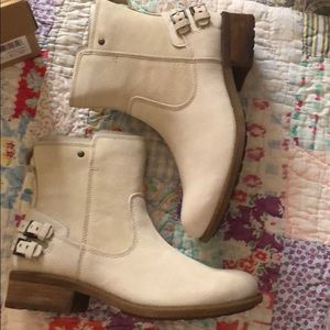 Shoes - Brand new with box ugg cream ankle boots